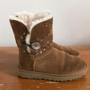 UGG Bailey Button Ankle Boots - 7
